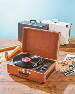 Bauhn-Vintage-Suitcase-Turntable-C